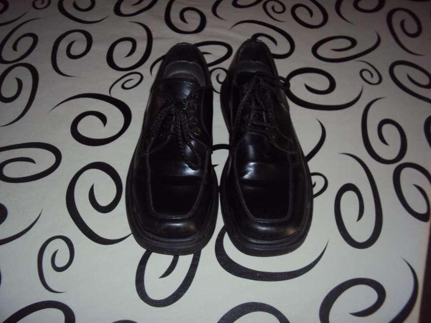vendo zapatos negros 0
