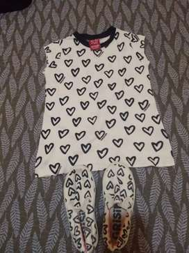 Musculosa talle 6 y  panchas N 27 marca Grisino