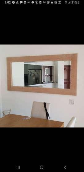 Vendo espejo como nuevo, 1.90 x 89 cms , marco en roble frances