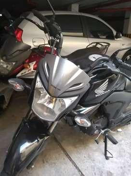 Vendo buena moto