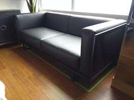 Se solicita tapicero de muebles de estilo.