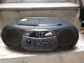 Vendo equipo de música CD, cassette, radio, reproduce mp3