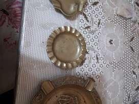 vendo ceniceros de bronce