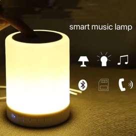 Parlante bluetooth con lámpara de luz. ENVIOS