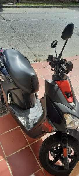 Vendo hermosa moto BWs 2017