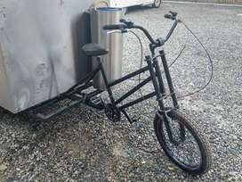 Útil triciclo para comidas! Muy buen precio!