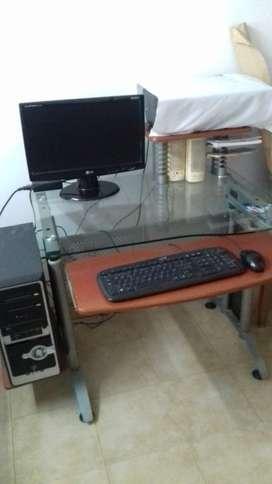 PC de escritorio completa funcionando