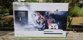 Xbox One S con un control y juego incluido de Star Wars