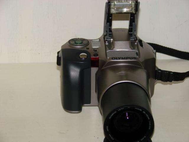 Camara Fotografica Olympus IS 20 Quarzdate 35mm Zoom Auto Usada en perfecto estado 0