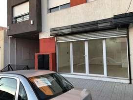 Vendo local en Villa Mitre /Acepto vehiculo