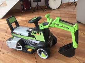 Carro tractor a bateria y musical S/.150