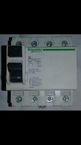 Disyuntor Tetrapolar Schneider Electric