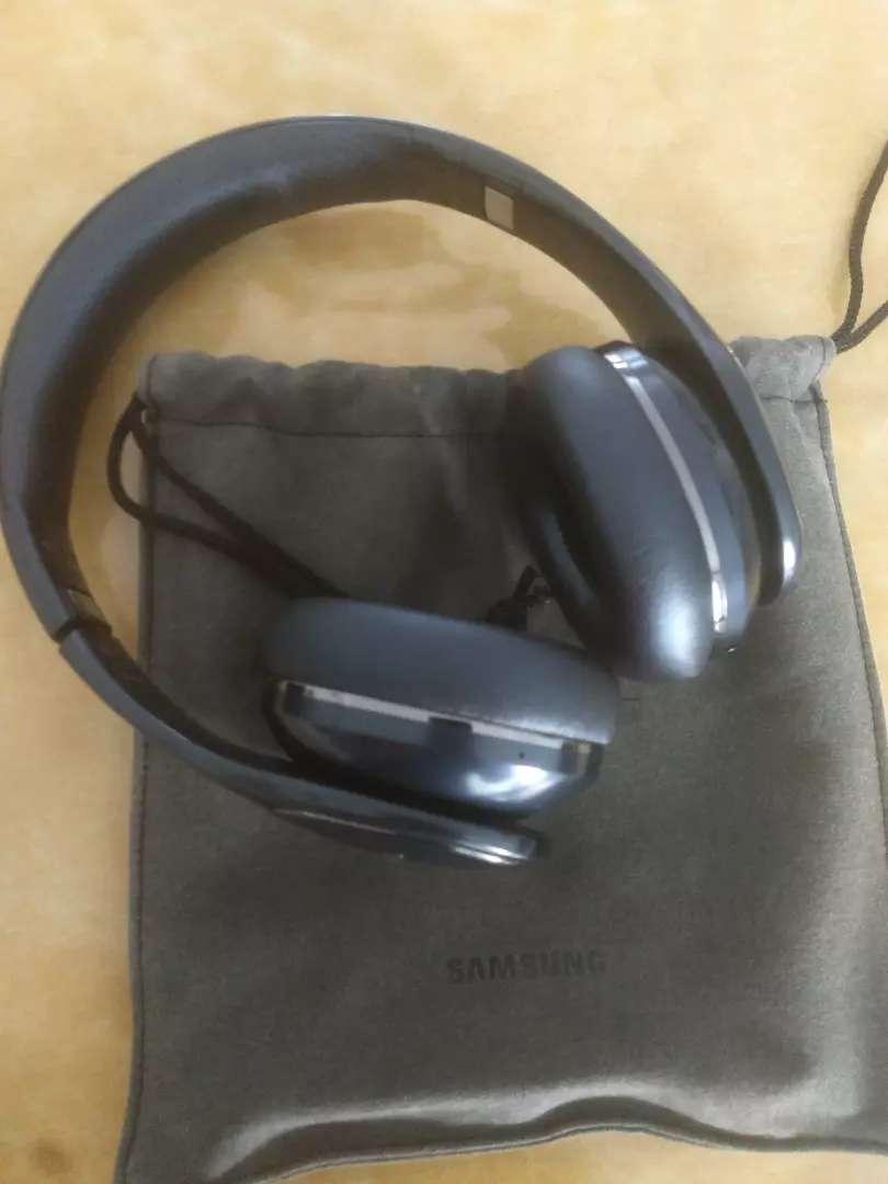 Vendo auriculares Samsung Level Bluetooth 0
