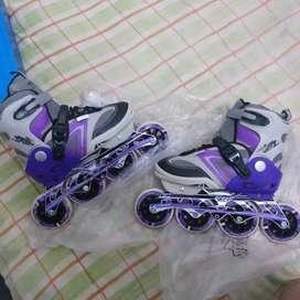 vendo patines con solo 3 puestas (300 negociables)