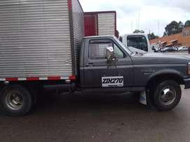 Vendo hermosos camiones Ford 350 modelo 94 y otro 95 a gas y gasolina listos para traspaso perfecto estado