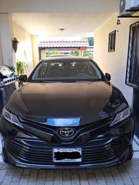 Totoya Camry LE 2018, impecable