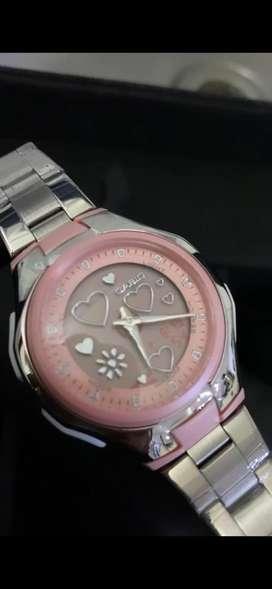 Hermoso reloj dama