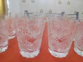 Juego de 12 vasos de cristal tallados