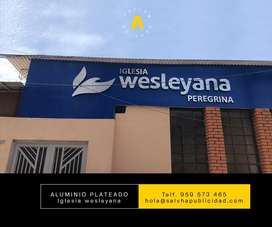 Ig. WESLEYANA Letrero llamativo con relieve y retroiluminado