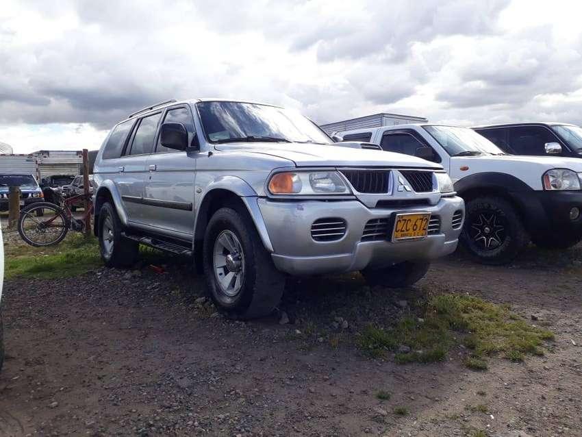 Mitsubishi nativa 4x4 TDI 2009 Vendo o Permuto