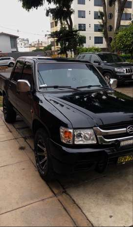 SE VENDE CAMIONETA PICK UP 4x2