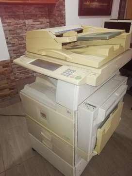 Vendo fotocopiadora con conectividad para impresión y scaner