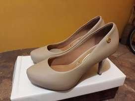 Stiletto zapatos mujer de cuero nuevos! Marca Vizzano
