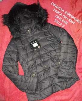 Hermosa chaquetas color negro  im permeable