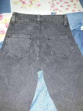vendo pantalon talla 8 tiro alto nuevo