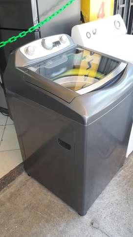 Lavadora digital Haceb 29 libras usada en muy buen estado