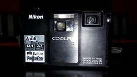 Vendo Camara de Foto Digital con Proyect