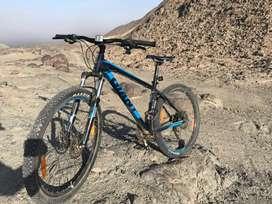 Se vende bicicleta Giant Talon 2