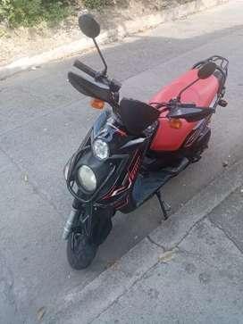 Moto BWS roja co negro