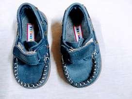 Zapato nuevo Mocasin TITANITOS 18 cuero abrojo