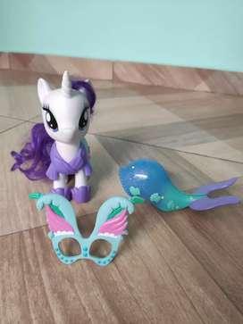 Pony con accesorios
