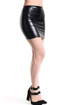 Mini falda imitación cuero