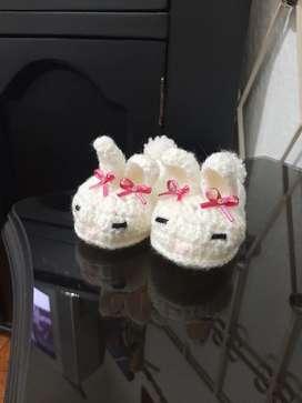 Zapatos de conejito tejidos para bebé