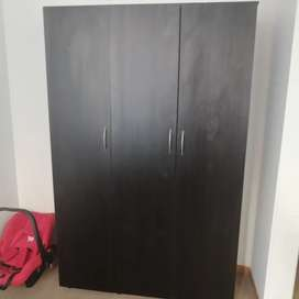 Closet de madera en Excelente estado