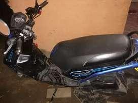 Vendo moto bw