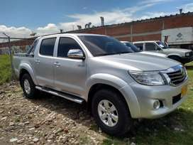 Toyota Hilux 2.7 gasolina 4x4