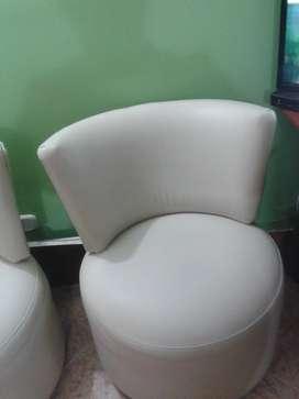 vendo hermosas sillas 250 las dos