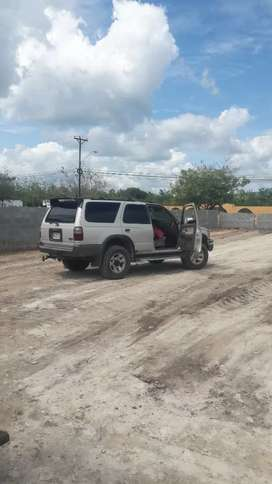 Se vende 4runner 4x4 en perfecto estado