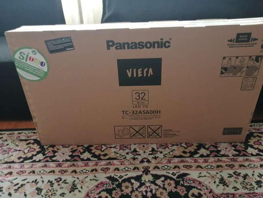 TV PANASONIC 32'' SMARTV WIFI Bluetooth TC-32AS600H 0