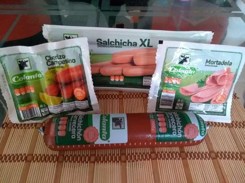 Venta de productos  lácteos y carnes frías marca Colanta 0
