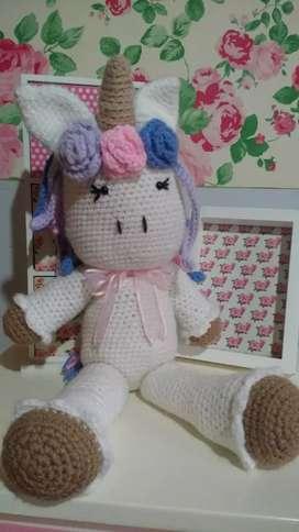 Unicornio gigante a crochet nuevo