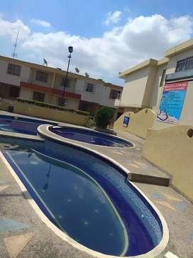 Vendo casa en urbanización Juanambú, sector Los Pinos