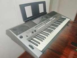 Organeta Yamaha Psr E433, Con Atril Y Base En X.