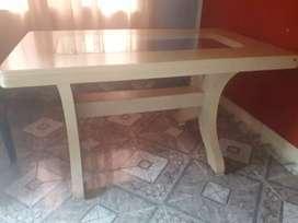 Mesa de madera dura