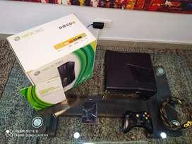 Xbox 360 Slim (negociable)