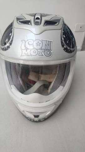 Hermoso  casco ICON para mujer nuevo